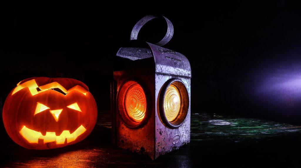 calabazaz y linterna de halloween