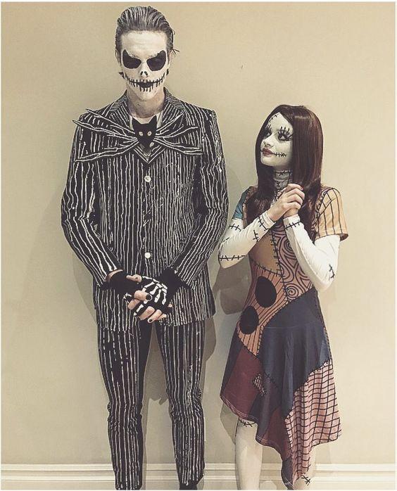 pareja disfrazada de jack y sally