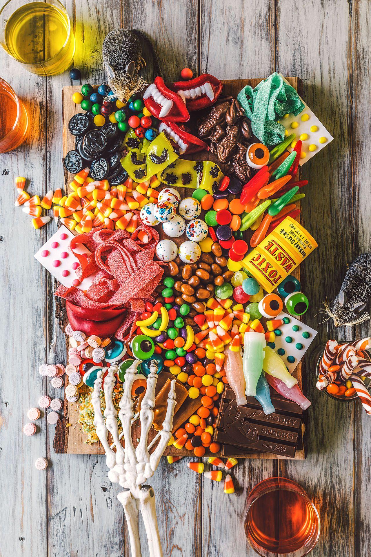 mesa de golosinas de halloween