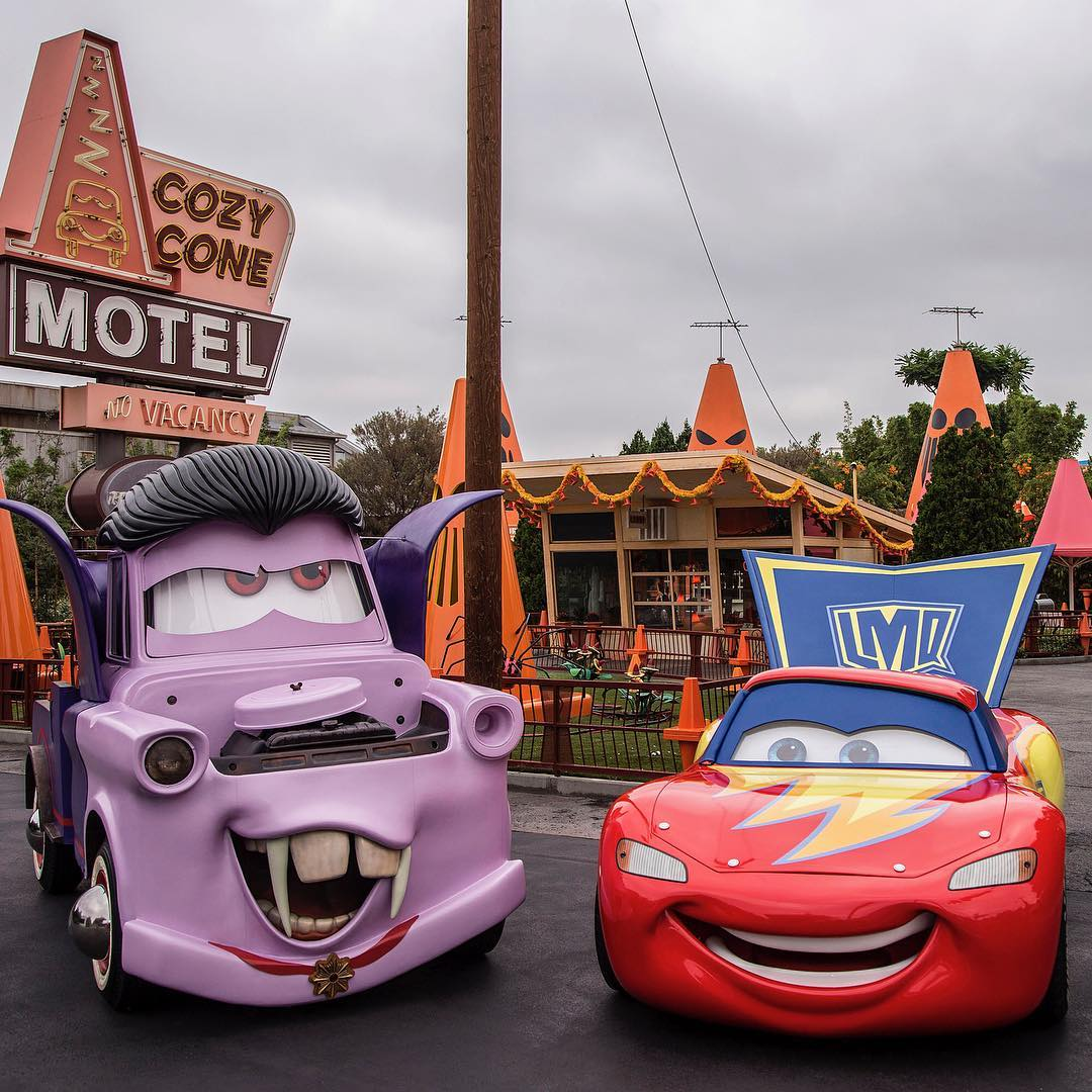 cars en halloween de disney