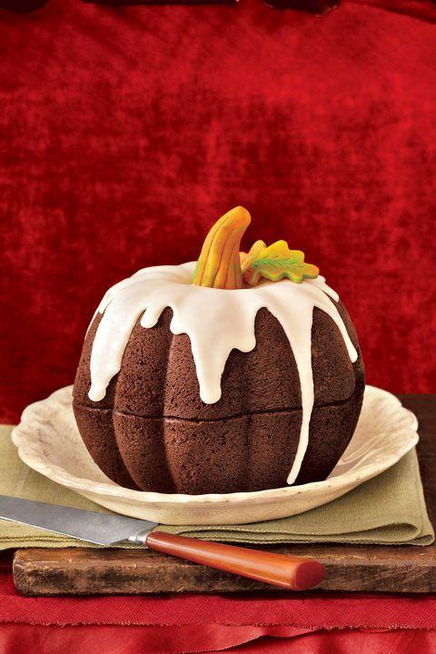 tarta con forma de calabaza